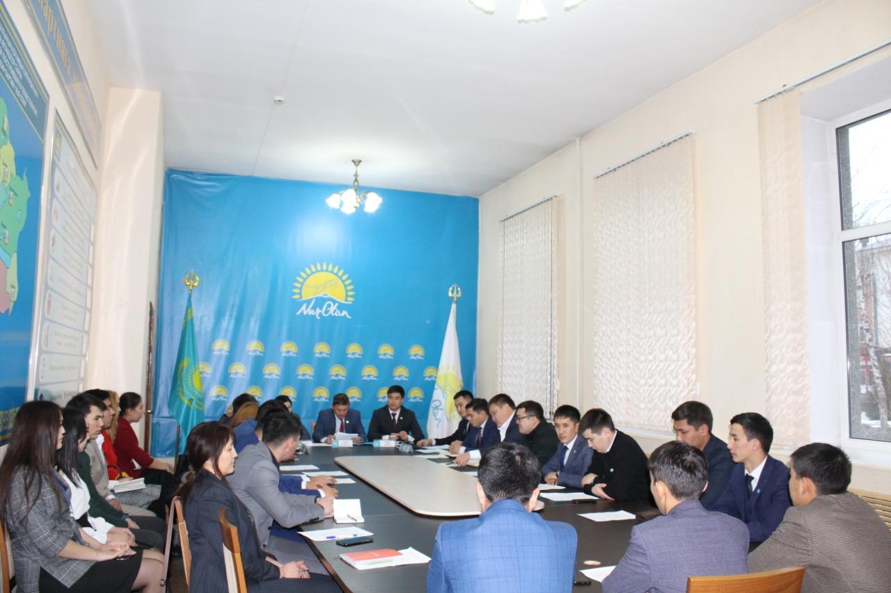 ВКО: в Nur Otan обсудили под поддержку молодежи