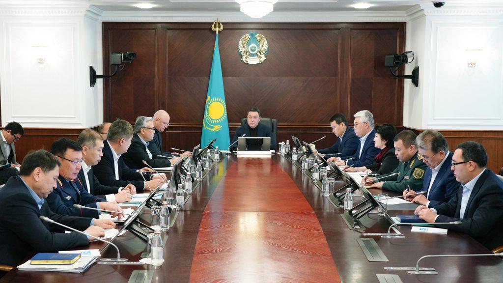 Премьер РК поручил принять предупредительные меры по защите от коронавируса