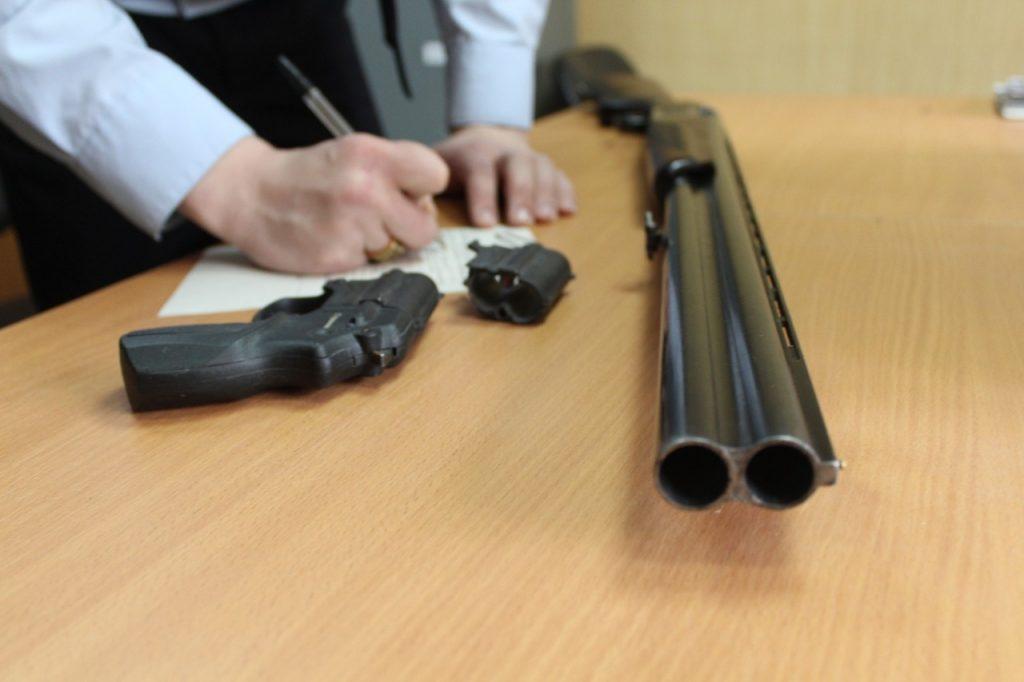 В областном центре усилят контроль за оборотом гражданского и служебного оружия