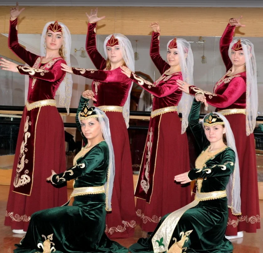 Разные культуры – один народ