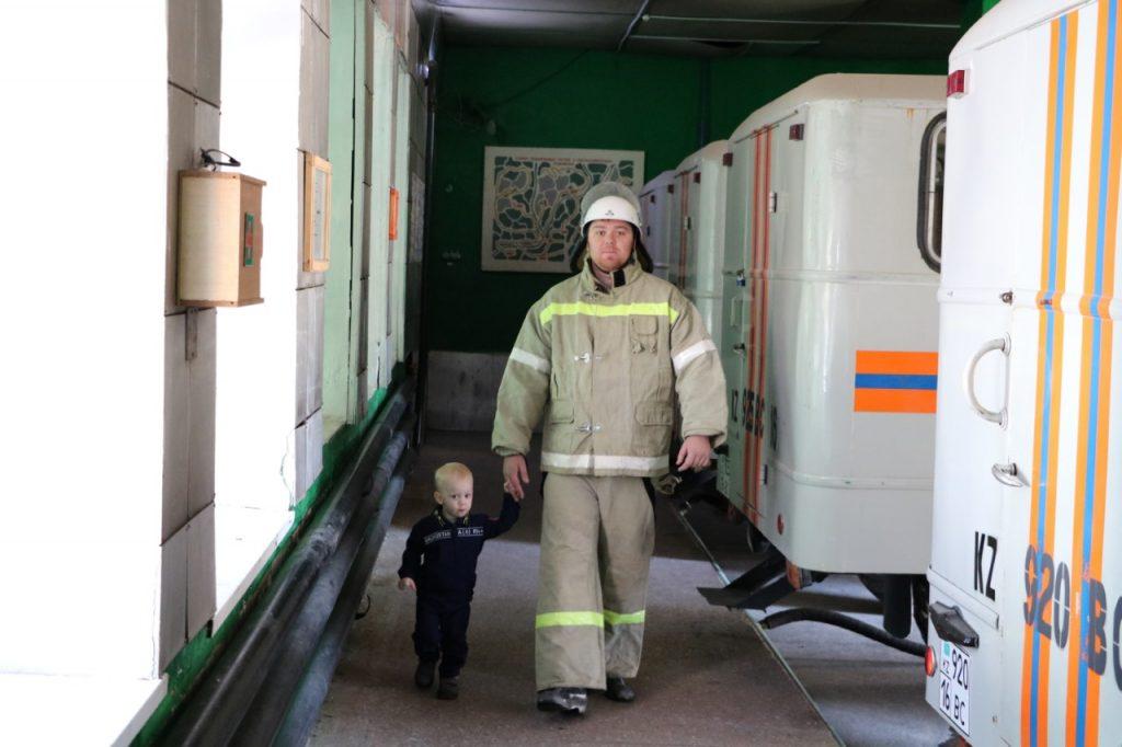 Два поколения спасателей